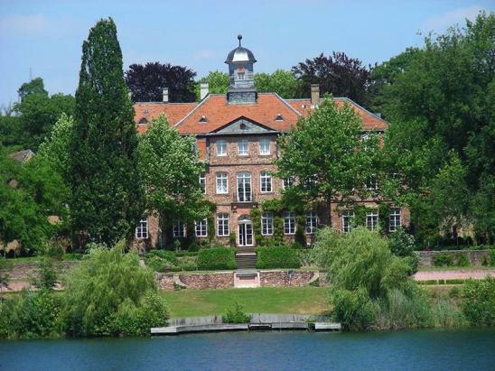 Kahl am Main - Schloss Emmerichshofen
